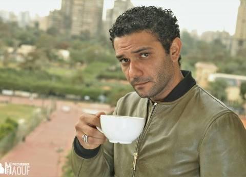 بالصور| آسر ياسين في إطلالة كلاسيكية بعدسة محمود رؤوف