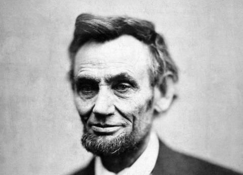 """بعد 152 عاما على اغتياله.. 9 أعمال فنية جسدت شخصية """"أبراهام لينكولن"""""""