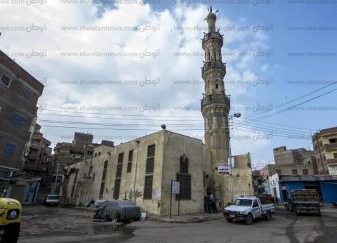 «عبدالرحيم القنائى».. أكبر مسجد أثرى فى «فوه».. والمريدون بالآلاف