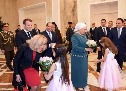 مرشدة زوجة ماكرون: قرينة الرئيس الفرنسي انبهرت بأبوالهول وتأملته كثيرا