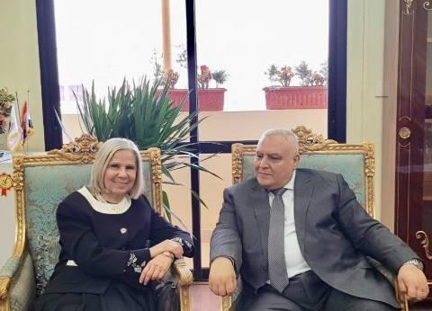 بالصور| هيفاء أبو غزالة تلتقي رئيس الهيئة الوطنية للانتخابات