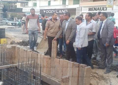 محافظ البحيرة يتفقد أعمال الصرف الصحي بشارع عبدالسلام الشاذلي