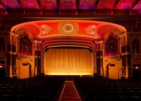برنامج عروض البيت الفني للمسرح اليوم 2 يناير