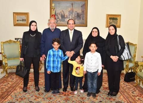 """أسرة الشهيد """"أحمد صلاح الدين مالك"""": """"الريس قال لنا مصر متنساش أولادها"""""""