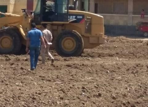 """رئاسة """"بركة السبع"""" تشن حملة لإزالة التعديات على الأراضي الزراعية"""
