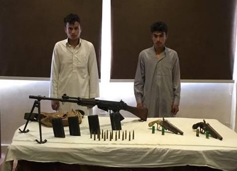 ضبط أسلحة نارية بحيازة شقيقين داخل عشة في التجمع الخامس