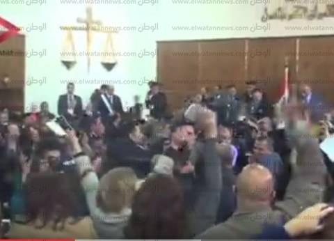 """أحضان وزغاريد.. ردود فعل الناس بعد الحكم بمصرية """"تيران وصنافير"""""""