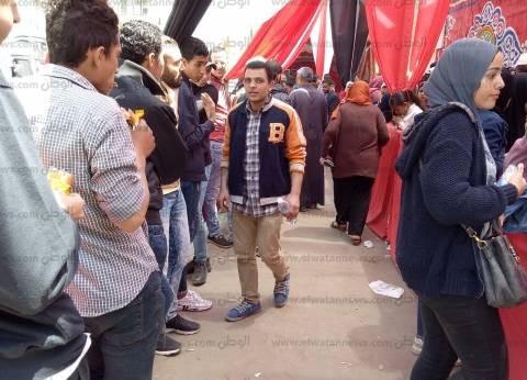 حشود ناخبين أمام لجنة مدرسة ناصر الثانوية بنات بشبرا