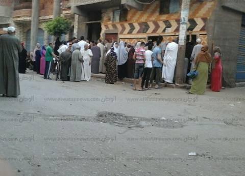 تذمر أهالي الشيخ زويد ورفح بسبب نقص حصة الدقيق.. والمحافظ: هنحل الأزمة