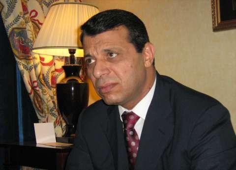 محمد دحلان يغادر مطار القاهرة على متن طائرة خاصة