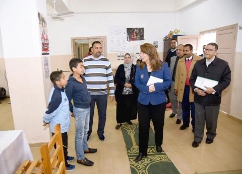 غادة والي تزور مجمع الدفاع الاجتماعي في الإسكندرية