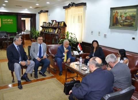 """جامعة الإسكندرية تستقبل مدير مكتب """"الفولبرايت"""" لبحث التعاون"""
