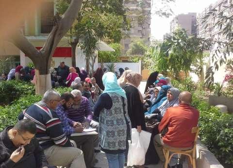 توافد نسوي على لجان العمرانية للاستفتاء على التعديلات الدستورية