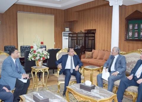 رئيس جامعة بني سويف يستقبل المدير الجديد لجهاز تنمية المشروعات