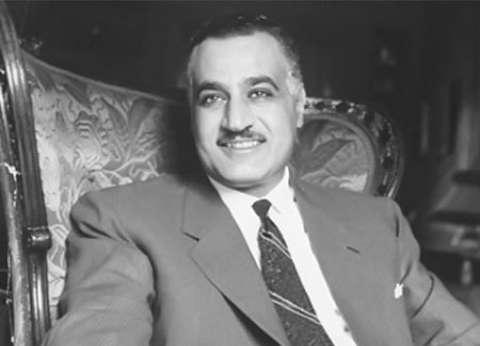 """""""أبو عيطة"""" يهتف أمام ضريح عبدالناصر: يا زعيم الأمة"""