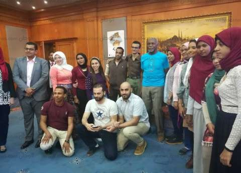 بدء توزيع جوائز الورش المقامة على هامش مهرجان أسوان
