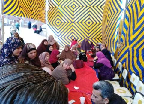 السيدات يتصدرن المشهد أمام لجان الاستفتاء بالقيوبية