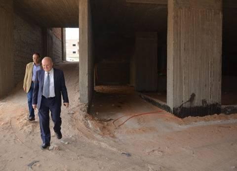 رئيس جامعة الزقازيق يتفقد إنشاءات مستشفى الطوارئ