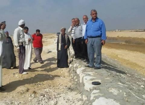 """رئيس إدارة """"الموارد المائية"""" بـ""""ري المنيا"""" يتفقد مخرات السيول"""