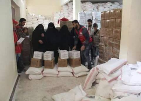 الهلال الأحمر المصري يوزع 528 طن مساعدات لبعض أهالي شمال سيناء