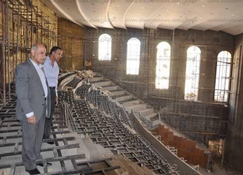 بالصور| صيانة المدرجات استعدادا للعام الدراسي بجامعة كفر الشيخ