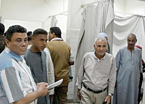 جولة مفاجئة لرئيس مدينة إسنا على المستشفى المركزي