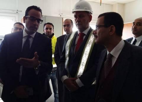 """رئيس """"اقتصادية قناة السويس"""" يعلن إجراء دراسة للإجراءات الجمركية بمينائي السخنة وبورسعيد"""