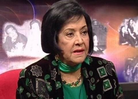 """مديحة يسري عن زيارة فنانين لها في عيد الأم: """"بحمد ربنا على حبهم لي"""""""