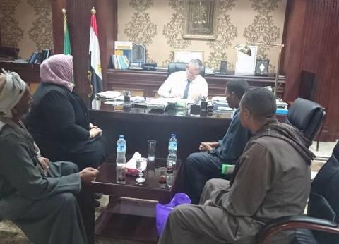 """محافظ المنيا يبحث شكوى """"مزارعي الفقاعي"""" بسبب نقل حيازة أراضيهم"""