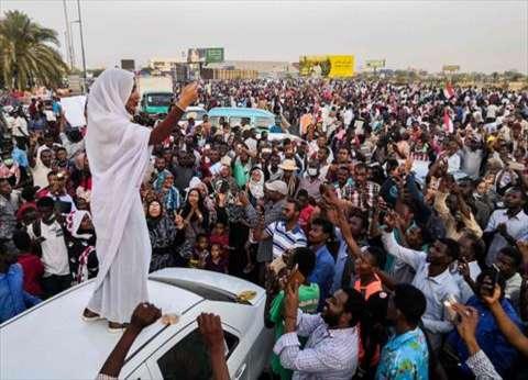 الجيش السوداني: المجلس العسكري الانتقالي سيكون مسؤولا عن أمن المواطنين