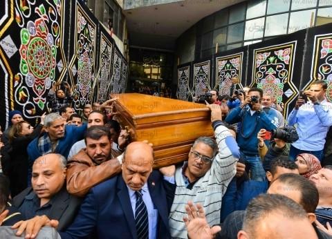 20 صورة ترصد تشييع جثمان الكاتب الراحل إبراهيم سعدة