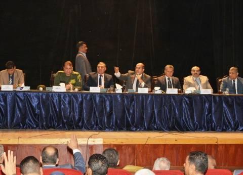 محافظ سوهاج يعقد اجتماعًا لمتابعة الاستعدادات للعملية الانتخابية