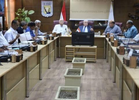 محافظ جنوب سيناء يطالب بتشكيل اتحاد الشاغلين للإسكان الجديد بالطور