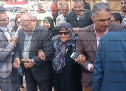 """""""الحاجة سبيلة"""" تشارك في الاستفتاء: """"عشان نكمل المشروعات"""""""