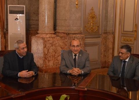 نائب رئيس جامعة عين شمس يلتقي ممثلي مشروع إعداد معلمي مدارس المتفوقين