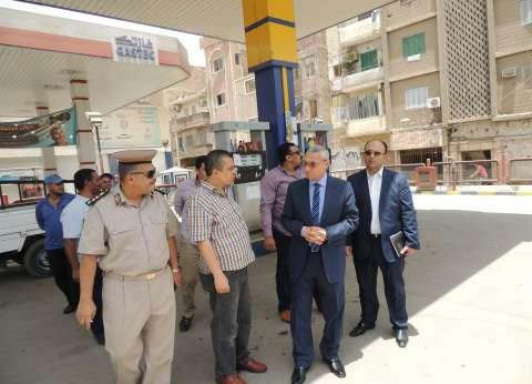 مدير أمن المنيا يتفقد المواقف لمتابعة الالتزام بالتعريفة الجديدة