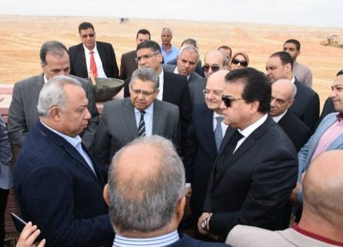 وزير التعليم العالي يضع حجر أساس فرع جامعة الزقازيق بالعاشر من رمضان