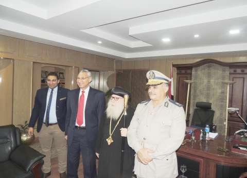 مطران بني مزار يشكر مدير أمن المنيا على جهود الأمن