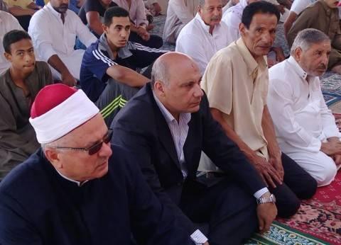 رئيس مدينة رأس سدر يؤدي صلاة عيد الأضحى بساحة مسجد قباء