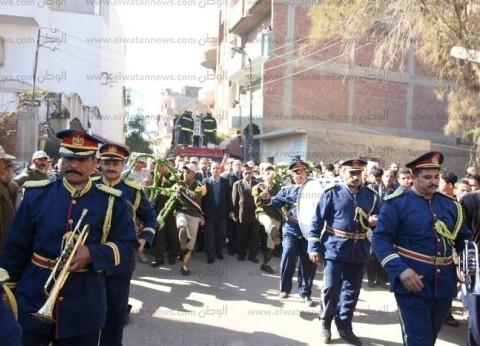 """تشييع جثمان """"شهيد سيناء"""" في جنازة عسكرية بمسقط رأسه في الشرقية"""