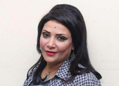 """""""الموسيقيين"""" تطالب بدرية طلبة باستبعاد بيكا من مسرحيتها: لا يملك تصريحا"""