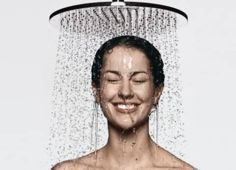 خبير تغذية: الماء الساخن ينشط الدورة الدموية ويعزز الطاقة لجسم المرأة