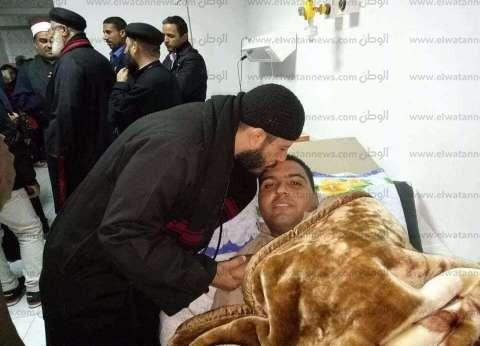 قساوسة يزرون إمام مسجد الروضة المصاب في مستشفى الحسينية