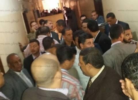 """عمال الشركات التابعة لـ""""قناة السويس"""" يواصلون اعتصامهم لليوم الثاني"""