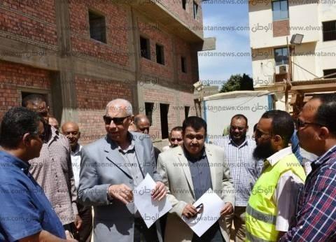 محافظ أسوان يشكل لجنة لمتابعة الأعمال الإنشائية لمستشفى إدفو العام