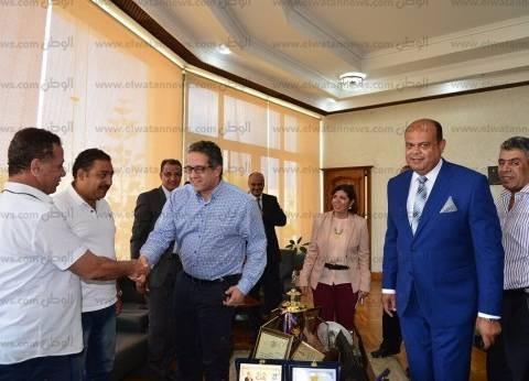 وزير الآثار يصل موقع حفائر جامعة عين شمس بالمطرية