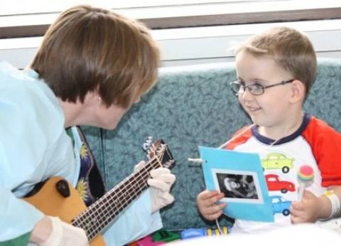 """""""الموسيقى"""" أحدث صيحات علاج الأطفال..وأطباء: """"تحارب التوحد وتأخر النطق"""""""