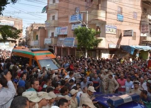 محافظ الغربية يتقدم جنازة الشهيد جندي عبودة عبدالوهاب بقرية بلقينا