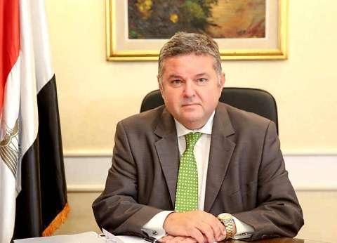 وزير قطاع الأعمال: مصر تنتج 21 مليون طن سماد في العام الواحد