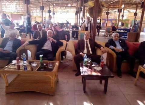 بالصور| محافظ جنوب سيناء يلتقي أصحاب المخيمات السياحية